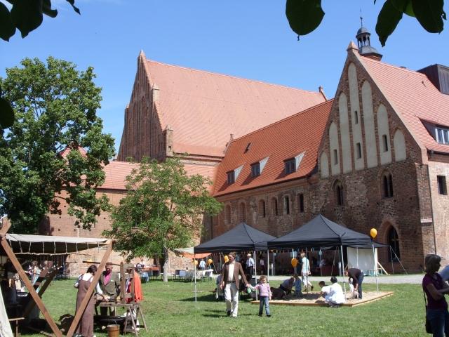 Das Paulikloster in der Morgensonne Brandenburgs
