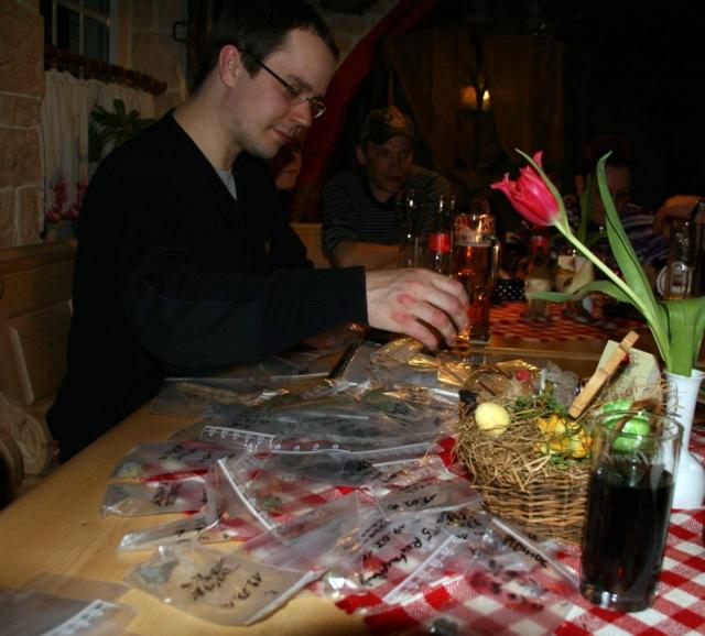 Abendliche Fundschau mit Diskussion (Foto: © M. Gädke)