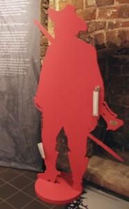 Söldnersilhouette »Otto« in der Ausstellung.